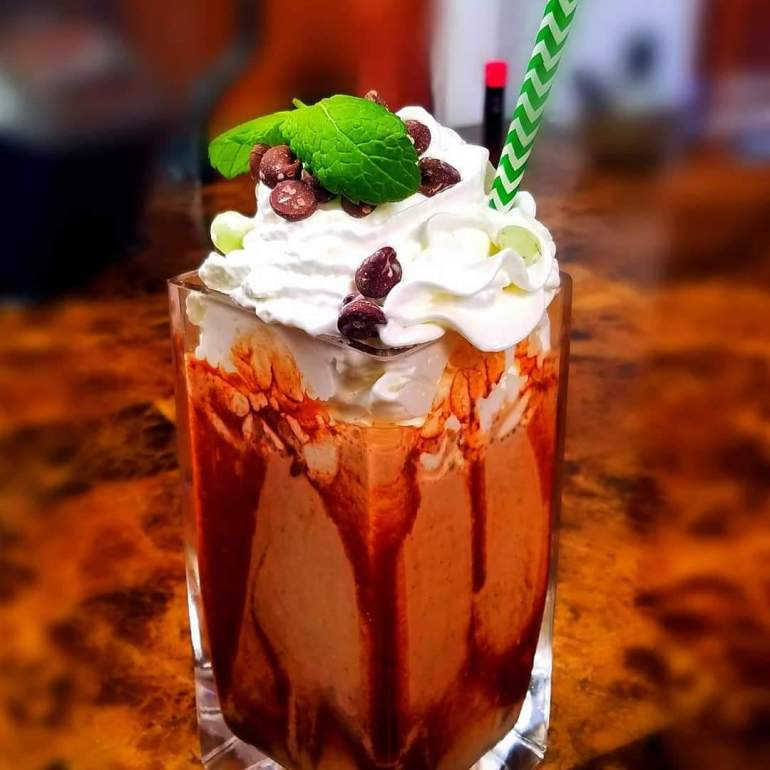 """<span class=""""rating-result before_title mr-filter rating-result-4101"""" ><span class=""""no-rating-results-text"""">No ratings yet.</span></span>How To Make the Best Chocolate Mint Protein Shake"""