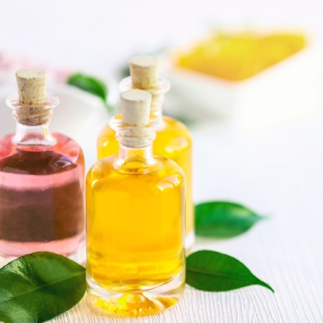 5 Essential Oils that Make it Easier to Lose Weight