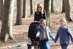 Mijn hobby:naar buiten met de kids. Ik hou van wandelen!