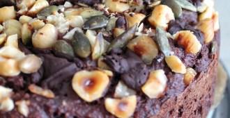 choco-bananencake met hazelnoten