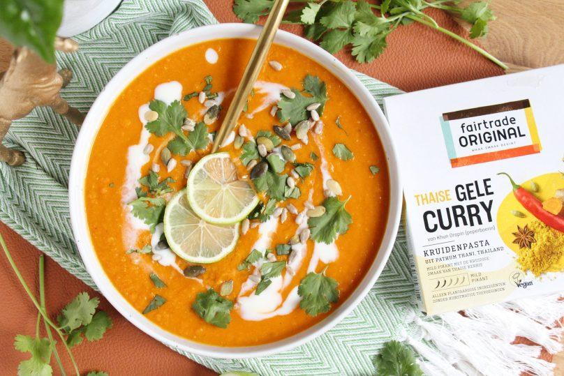 Thaise gele curry pompoensoep