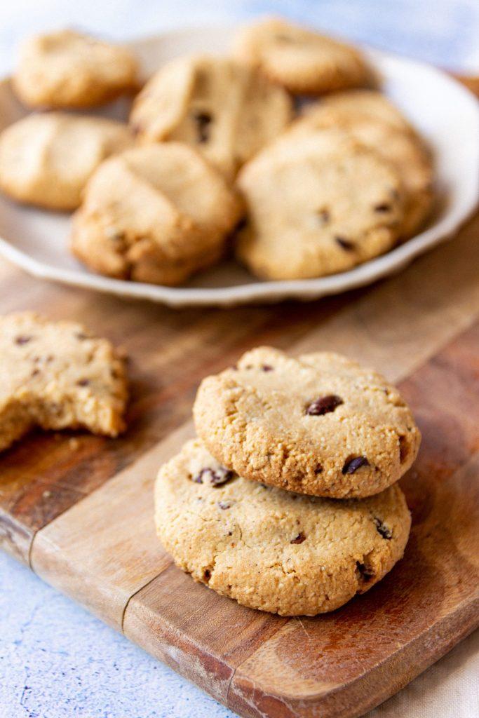 healthy vegan choc chip cookies