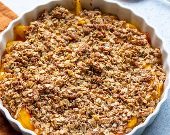 vegan crumble peach and mango