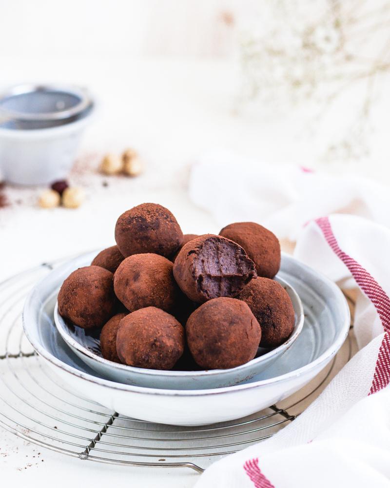 Raw Black beans and chocolate energy balls