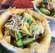 keto taco bowl with avocado salsa
