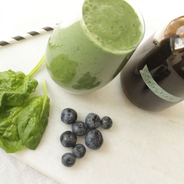 Grüner Smoothie mit Spirulina