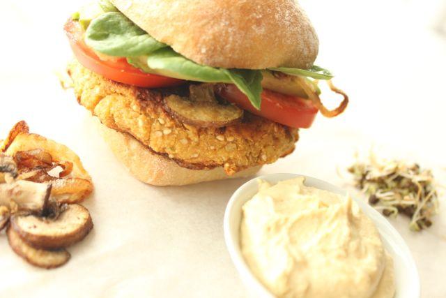 Falafel-Burger - vegan and gluten free - www.healthyhappysteffi.com