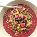 Açaí-Beeren-Smoothie-Bowl