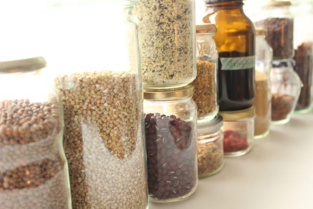 My healthy pantry list - www.healthyhappysteffi.com