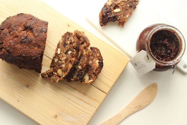 glutenfree and sugarfree fruitcake - www.healthyhappysteffi.com