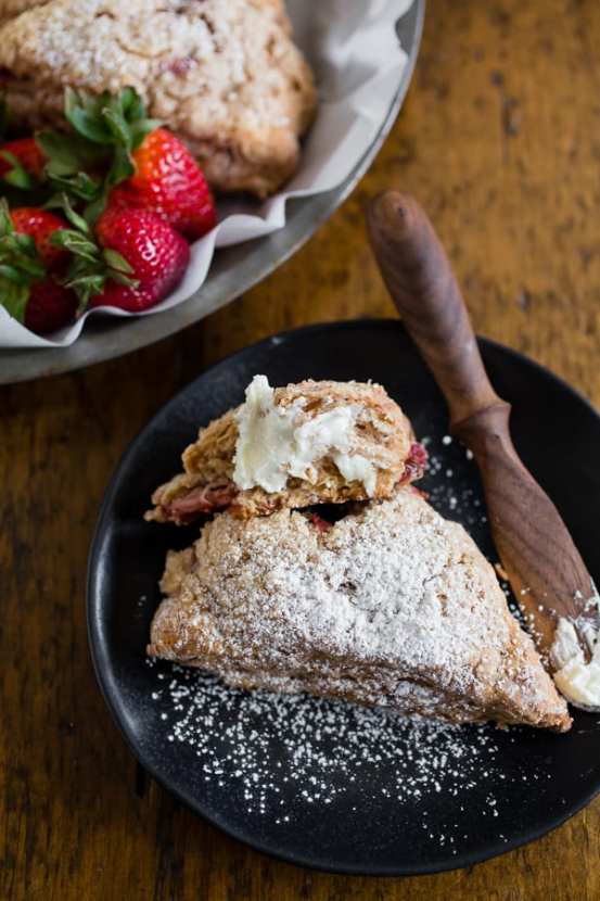 roasted-strawberry-greek-yogurt-scones-7