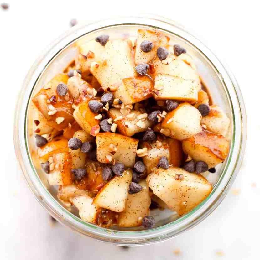 Spice Chocolate Pear Overnight Oats | Healthy Helper @Healthy_Helper