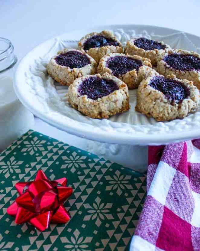 Superfood Overnight Thumbprint Cookies  | Healthy Helper @Healthy_Helper