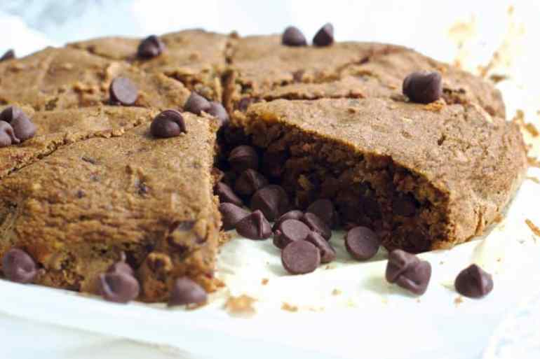 Vegan Chocolate Chip Coffee Cake | Healthy Helper @Healthy_Helper Rich chocolate and cinnamon flavor in the softest, most moist coffee cake you'll ever have! Vegan, gluten-free, and sweetened with caramel-like dates. Perfect for pairing with your morning cuppa joe or tea!