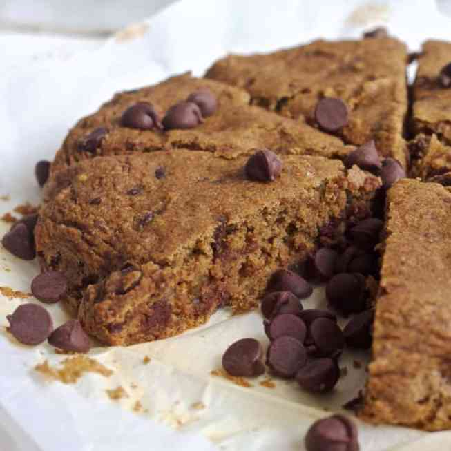 Vegan Chocolate Chip Coffee Cake | Healthy Helper @Healthy_Helper