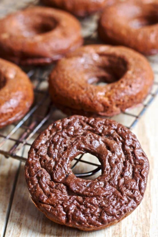 Chunky Monkey Donuts | Healthy Helper @Healthy_Helper