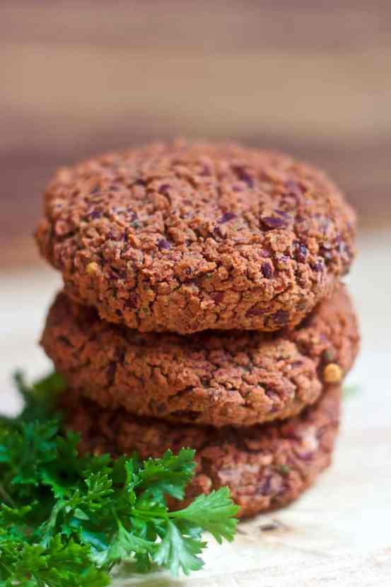 Cheesy Italian Bean Burgers   Healthy Helper @Healthy_Helper A cheesy, savory spin on classic plant-based patties! These perfectly spiced bean burgers are full of flavor, vegan, and gluten-free. They're also low-fat and low-cal! A great option for a meatless family meal!