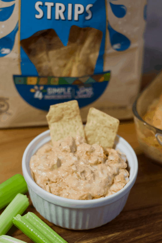 Vegan Buffalo Chicken Wing Dip | Healthy Helper @Healthy_Helper All the flavor of your favorite BIG GAME snack staple without any animal products! Creamy, cheesy, and so crave-worthy. This rich-tasting appetizer is the perfect easy recipe for sharing with friends and family while routing your favorite team to victory!