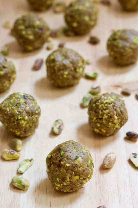 Matcha Pistachio Protein Balls | Sweet matcha paired with pistachios and dates makes for the ultimate protein ball recipe! These delicious Matcha Pistachio Protein Balls are vegan, gluten-free, and have only 3 ingredients. Easy to make and perfect to take with you for on-the-go snacking!