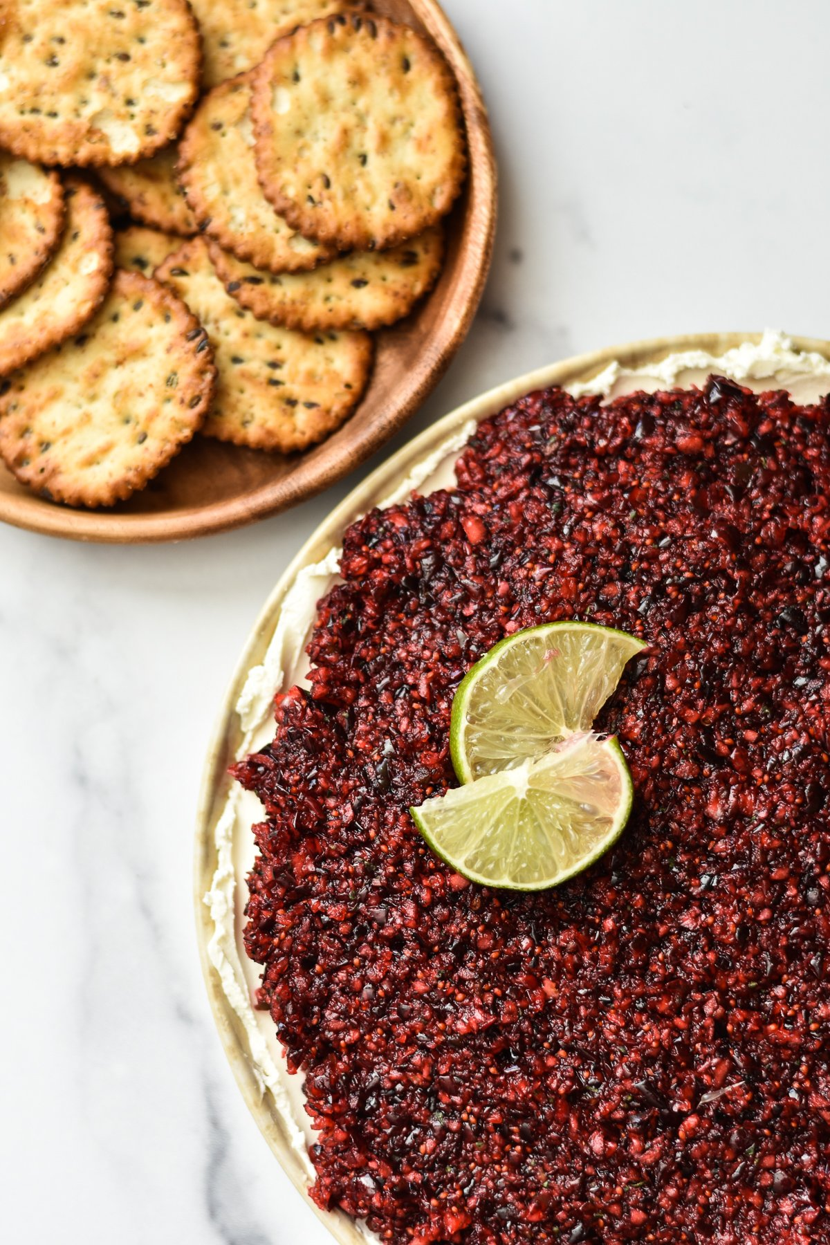 jalapeno cranberry dip and crackers