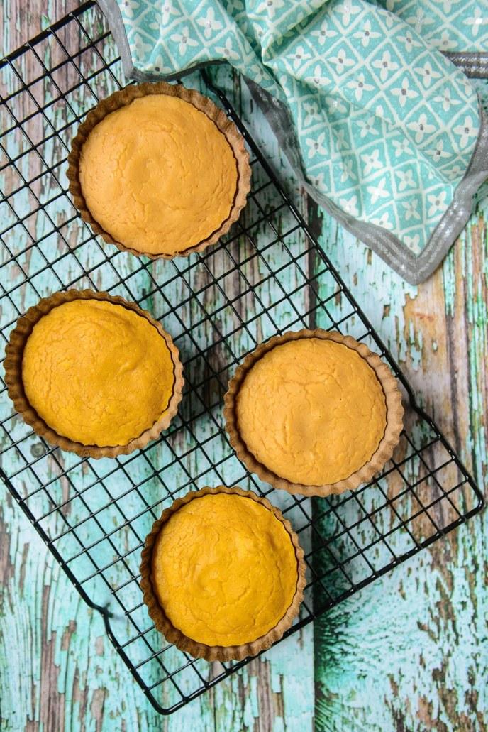 Sweet Potato Marshmallow Healthyish Cakes for Thanksgiving // www.HealthyishFoods.com