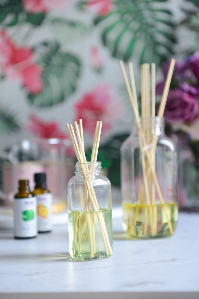 DIY Essential Oil Diffuser for a Spring Refresh // www.HealthyishFoods.com