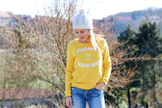pièce-jaune-jaune-vêtement-jaune-robe-jaune-porter-du-jaune-la-couleur-jaune-mode-