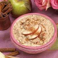 Oatmeal with Apples & Cinnamon