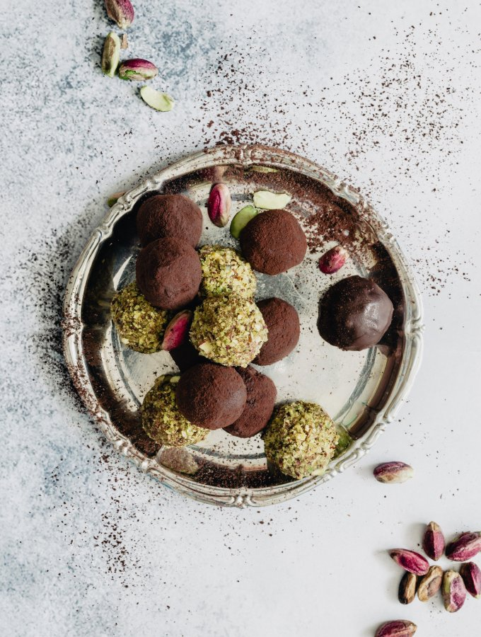 HEALTHY CHOCOLATE TRUFFLES / WITH RICOTTA / NO BAKE