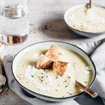 How to make a velvety potato leek soup for your Christmas menu!