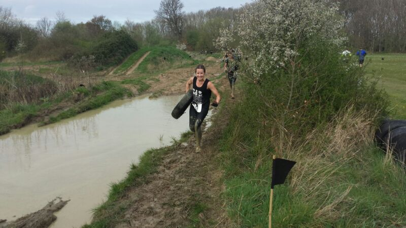 How to get muddy clothes clean
