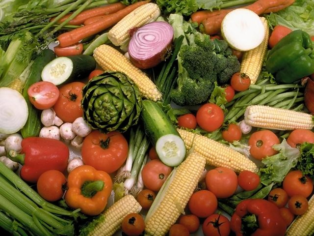 Increase consumption of whole fruits and vegetables has a protective effect against the infection of HPV