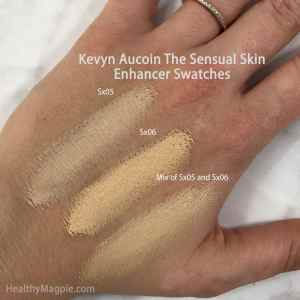 Swatches of Kevyn Aucoin The Sensual Skin Enhancer. Sx05 is a light shade with neutral undertones. I mix this with Sx06 a light shade with golden understones. This helps cover my melasma, hyperpigmentation, dark spots and vitiligo.