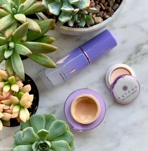 Review and swatches of Tatcha Skin Care - The Pearl Illuminating eye treatment, the silk canvas and dewy skin mist.