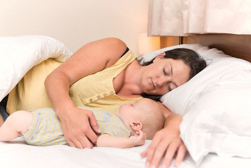 11 Tips to Survive Night Feedings
