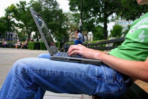 Laptop - Elvert Xavier Barnes