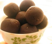 healthy chocolate balls / chocolate ladoos