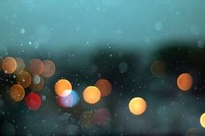 Rain_over_toronto_street_lights_bokeh