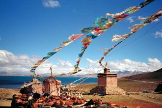 Mt Kailash: Gompa 2, prayer flags and monument