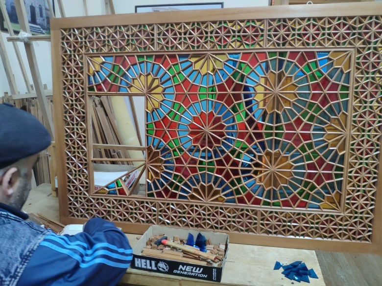 The art of Shebeke i.e. stained glass mosaics pieced together without glue or nails
