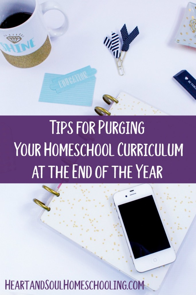 How to decide what to keep and what to get rid of at the end of the homeschool year | simple organization tips for homeschooling | keeping or selling your old homeschool curriculum