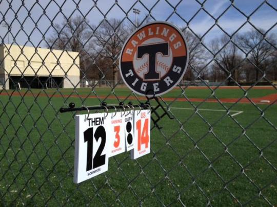 The perfect addition for spectators at any baseball or softball game are these ScoreStix