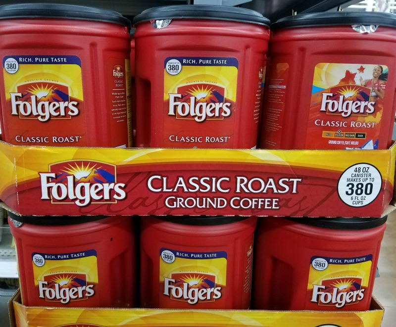 It's a Privilege to Share a Moment with a Veteran Over a Cup of Folgers®