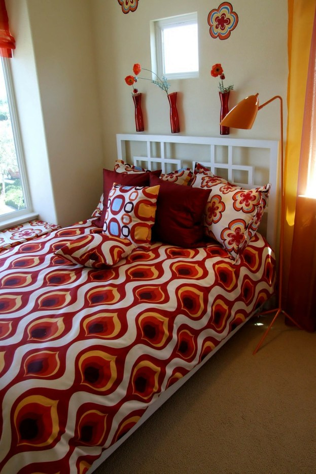 Making a Cramped Bedroom Look Spacious