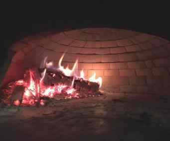 Dream Away Lodge Pizza Oven