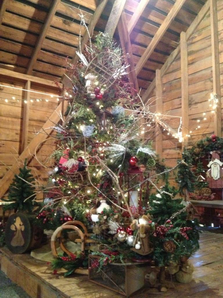 Farm Tree Yawn Station Christmas