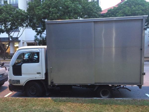 10ft box lorry