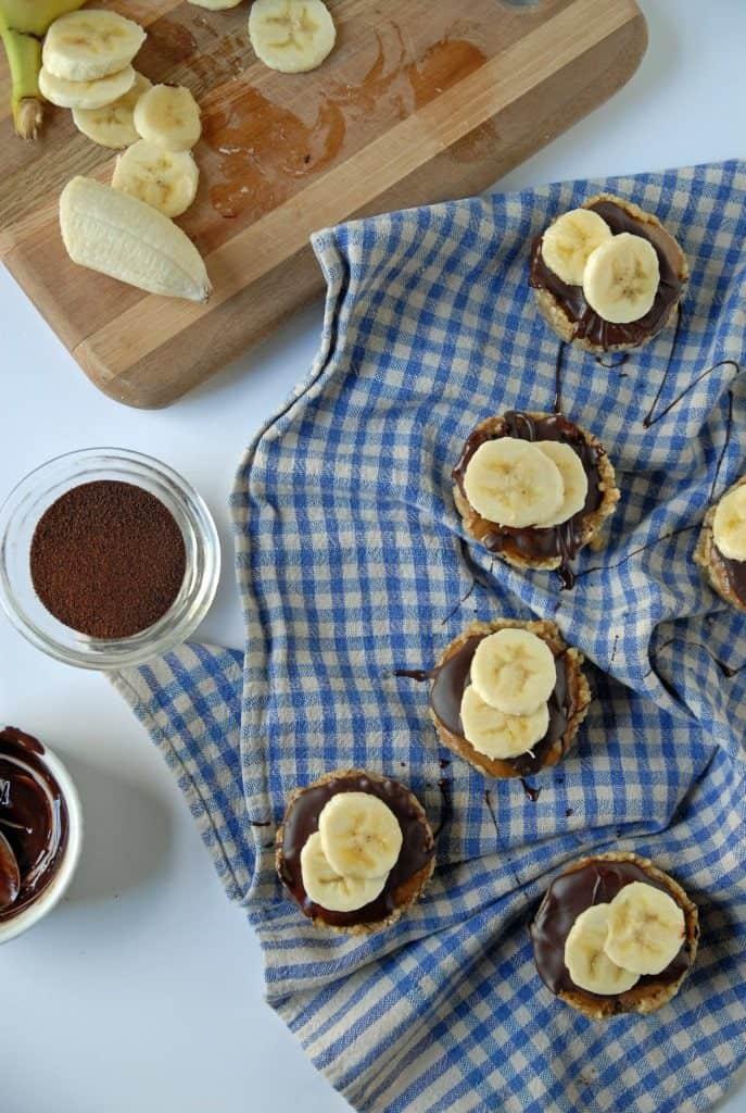 Mini Banana Espresso Tarts with Maple Walnut Crust {No Bake}