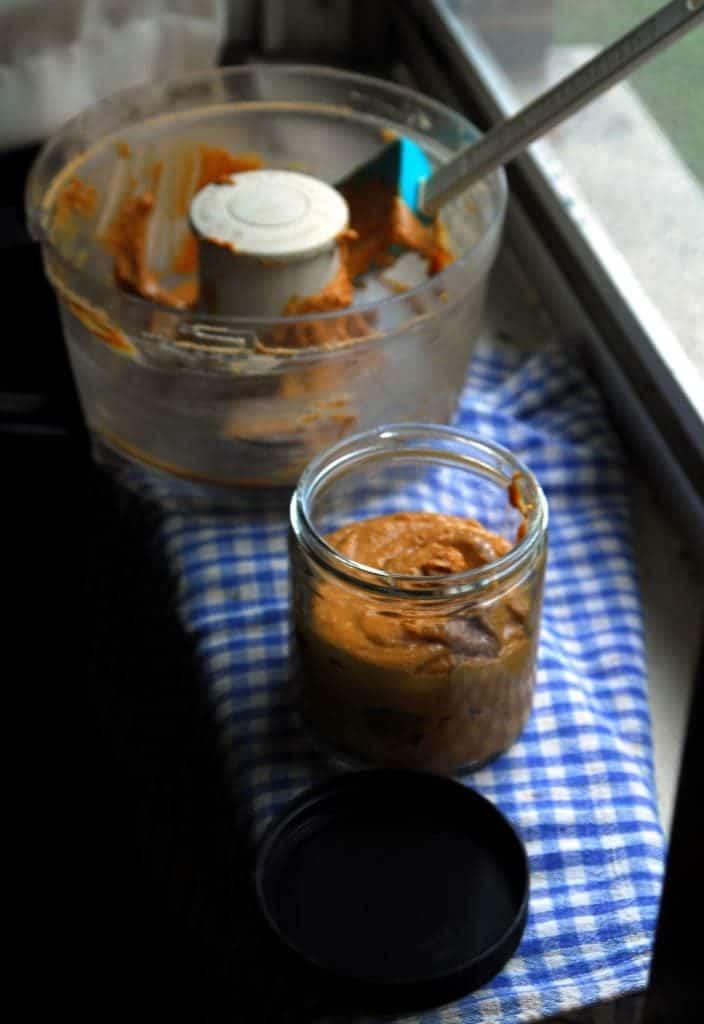 Kitchen DIY: Homemade Peanut Butter