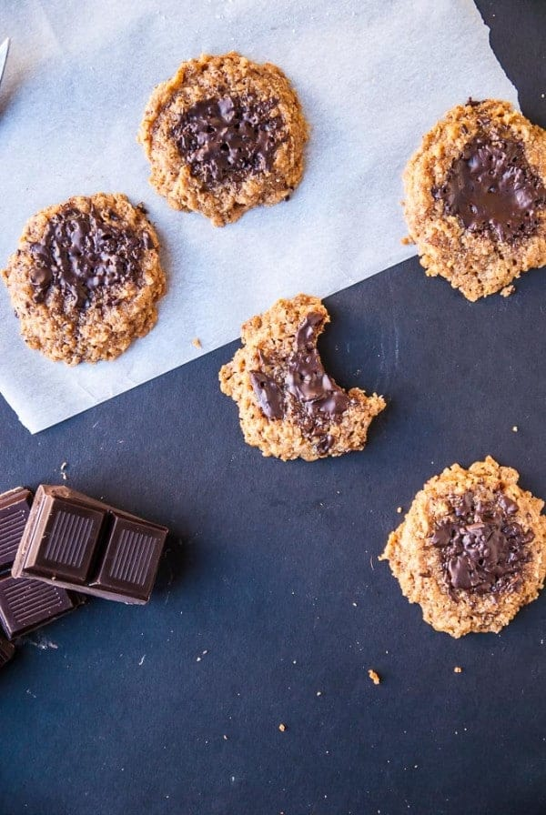 Flourless Peanut Butter + Chocolate Cookies //heartofabaker.com